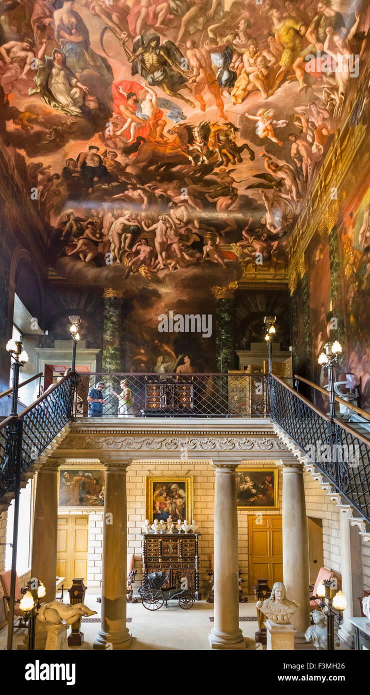 Die Hölle-Treppe mit Decke gemalt von Antonio Verrio, Burghley House in der Nähe von Stamford, Lincolnshire, Stockbild