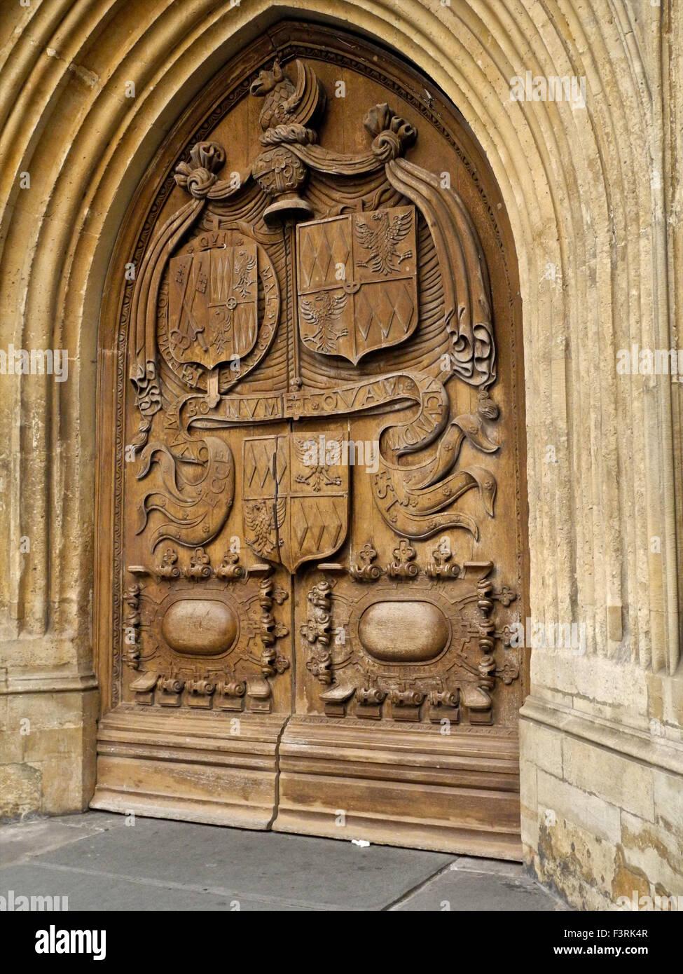 Das West-Tor der Abteikirche von Bath Stockbild