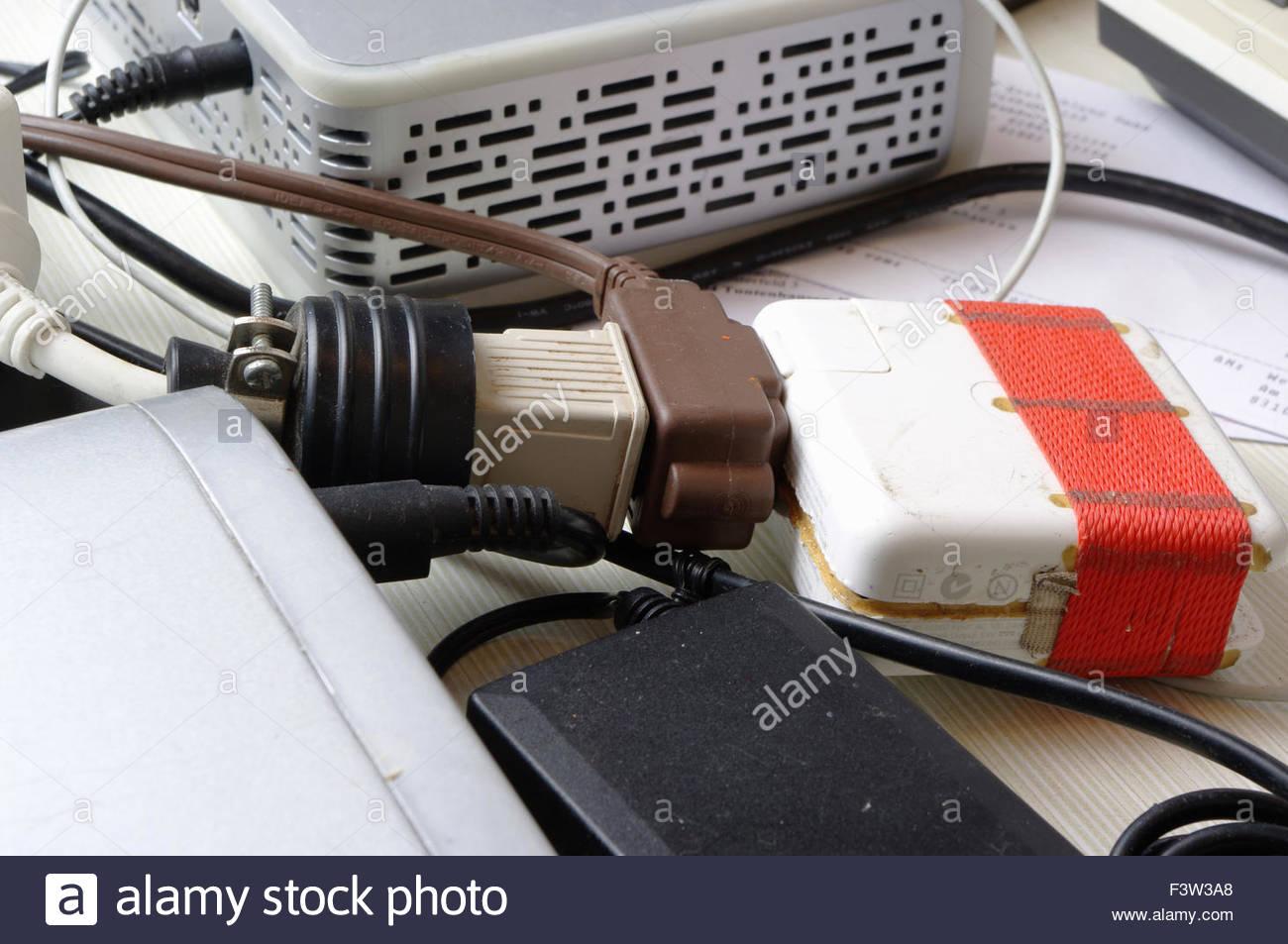 Elektrische Verdrahtung Drähte chaotisch durcheinander Verdrahtung ...
