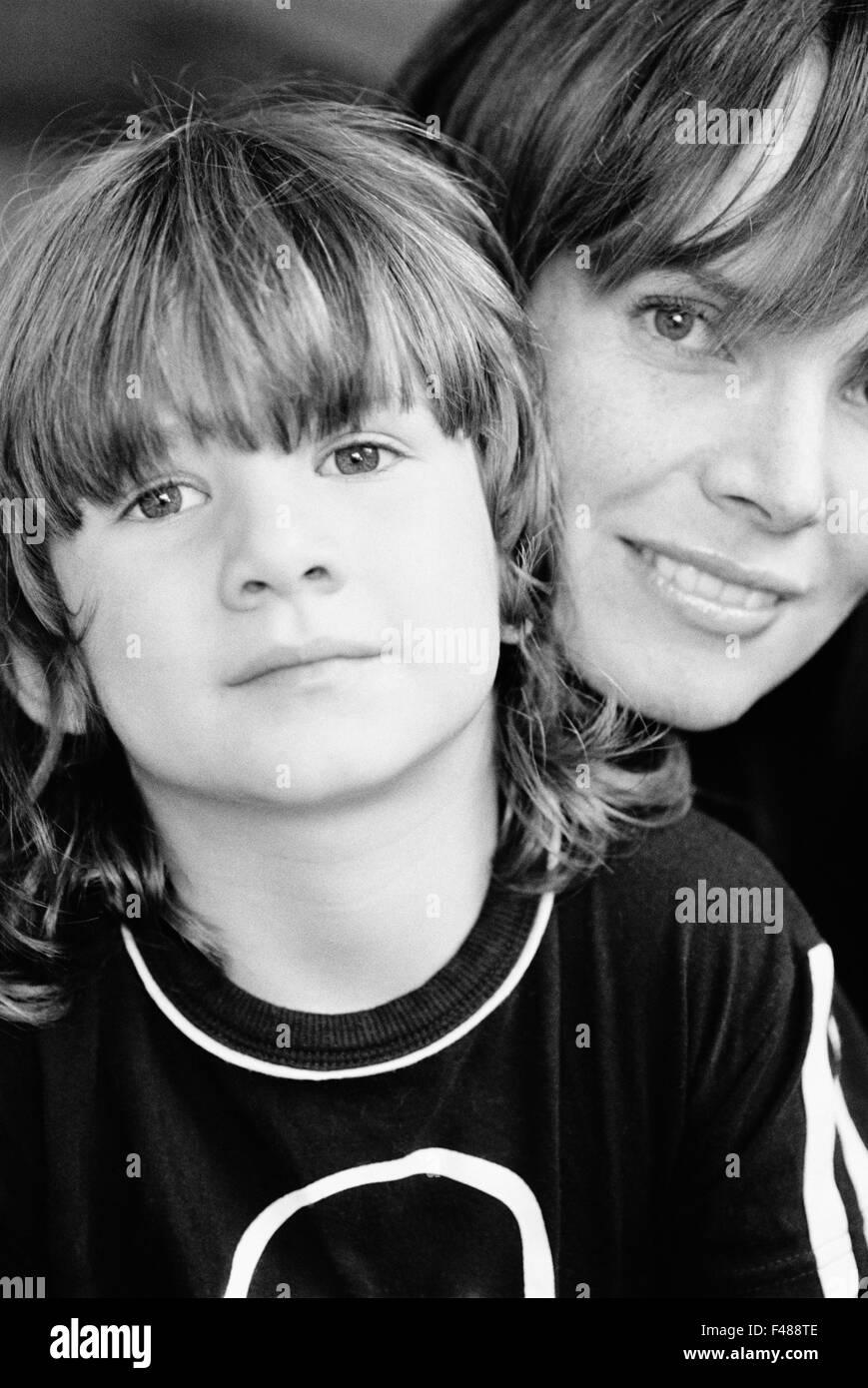 Porträt einer Mutter und Sohn, Spanien. Stockbild