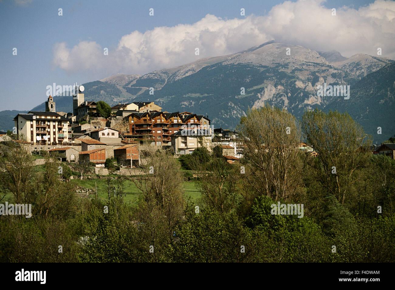 Spanien, Katalonien, Bellver de Cerdanya. Dorf. (Großformatige Größen erhältlich) Stockbild