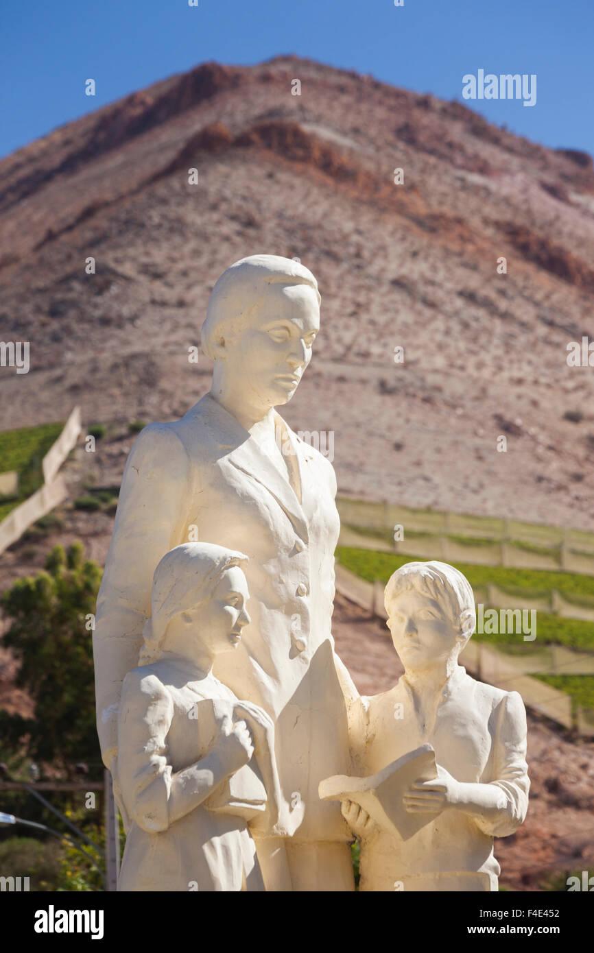 Chile, Elqui-Tal, Nobelpreisträgerin, Statue des Nobelpreises chilenische Dichter Gabriela Mistral zu gewinnen. Stockbild