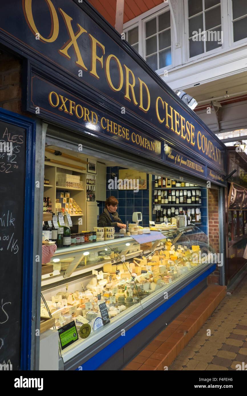 Ein Besuch in der historischen Universitätsstadt von Oxford Oxfordshire England UK Oxford Cheese Company Markthalle Stockbild