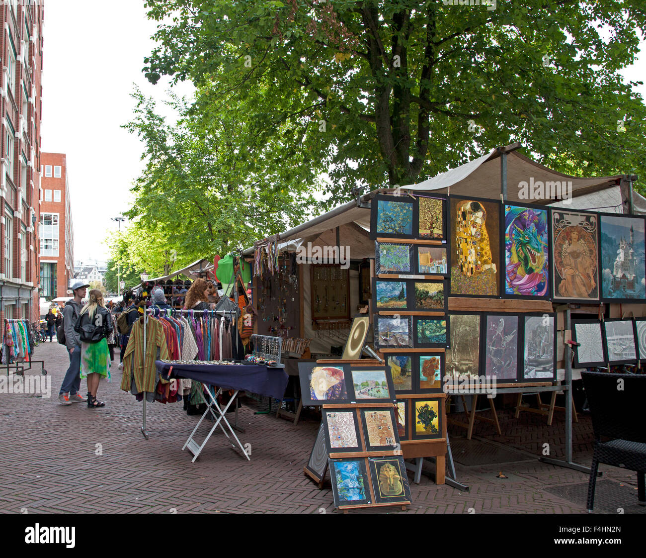 waterlooplein flea market stockfotos waterlooplein flea market bilder alamy. Black Bedroom Furniture Sets. Home Design Ideas