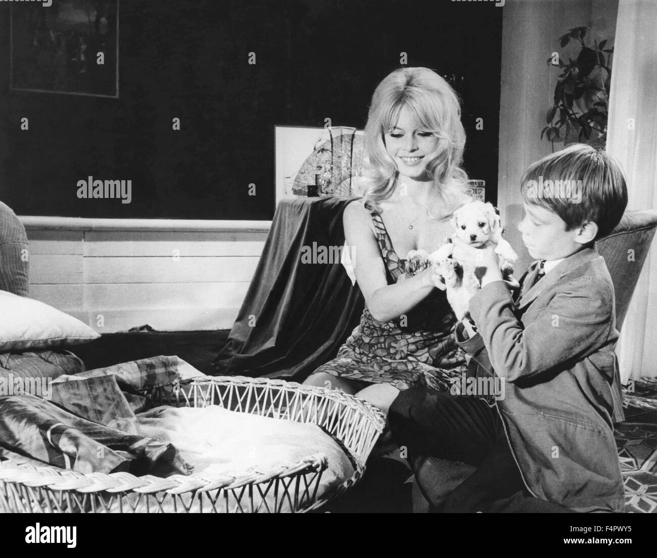 Brigitte Bardot und Billy Mumy / Dear Brigitte / 1965 unter der Regie von Henry Koster [zwanzigsten Jahrhundert Stockbild