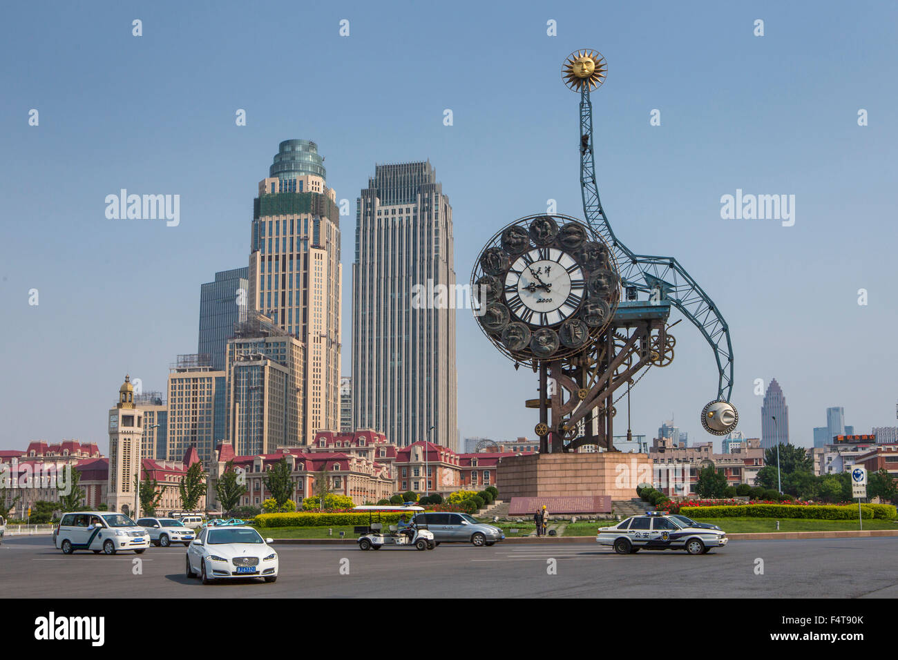 China, Tianjin Stadtplatz, Jahrhundert Uhr Jinwan Stockbild