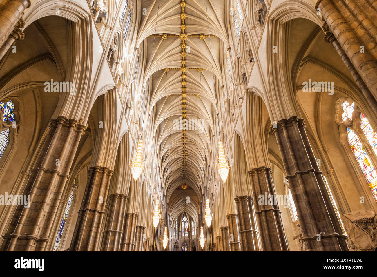 England, London, Westminster Abbey, das Kirchenschiff Stockbild