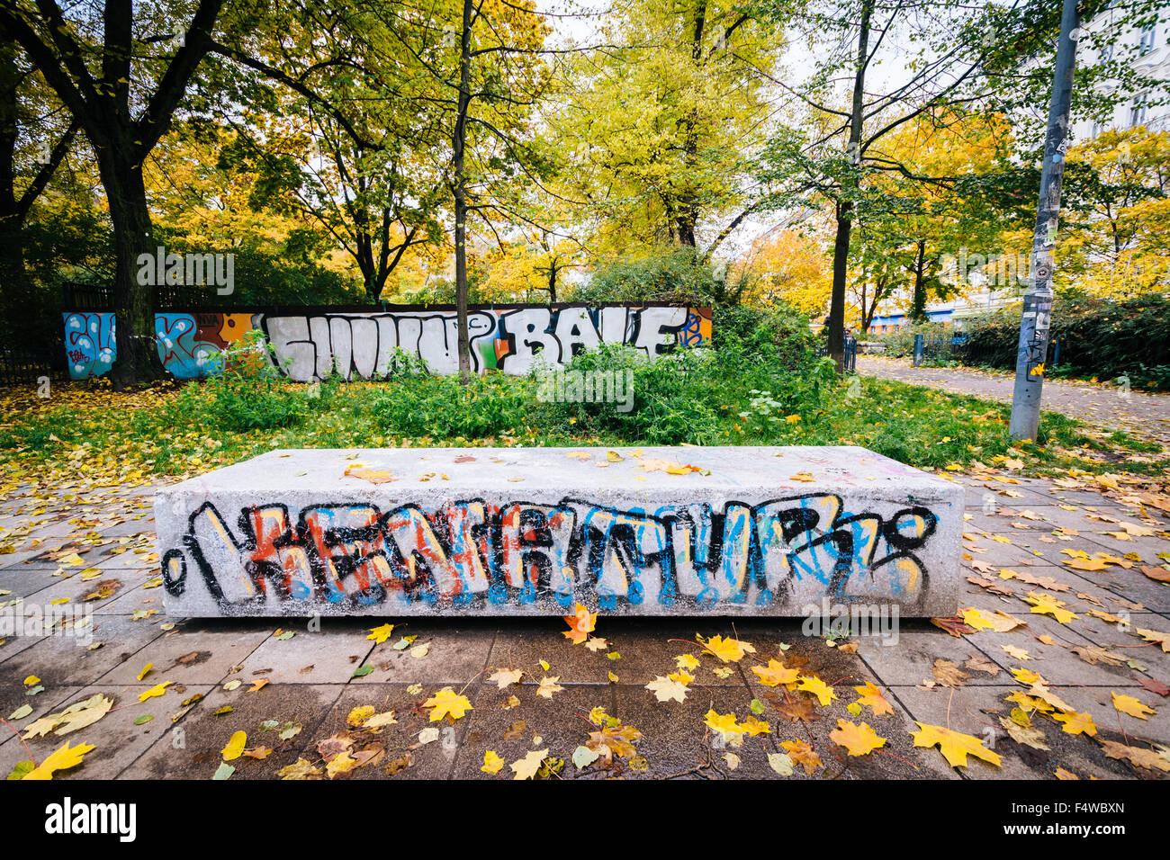 Graffiti Und Herbst Farbe Am Helmholtzplatz In Prenzlauer Berg