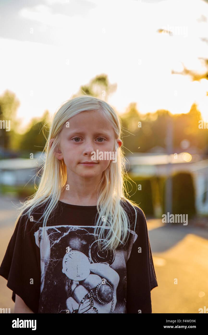 Schweden, Smaland, Anderstorp, Porträt von blonde Mädchen (10-11) Stockbild