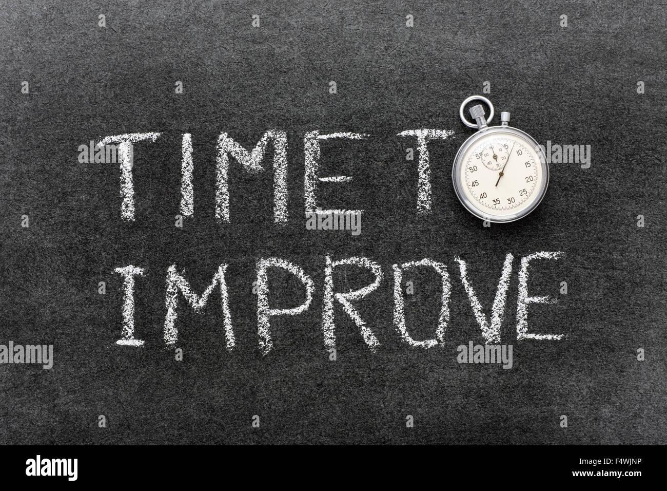 Zeit, Ausdruck handschriftlich auf Tafel mit Vintage präzise Stoppuhr verwendet anstelle von O zu verbessern Stockbild