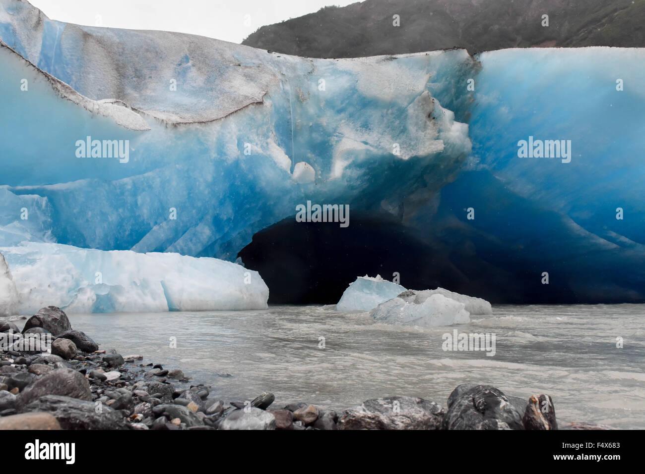 Eintrag weg zu einem Blue Ice Cave auf einer Alaskakreuzfahrt Exkursion Wanderung zu Davidson Gletscher in der Nähe Stockbild