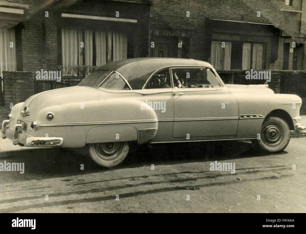 Eine amerikanische Coupé-Auto aus den 50er Jahren Stockbild