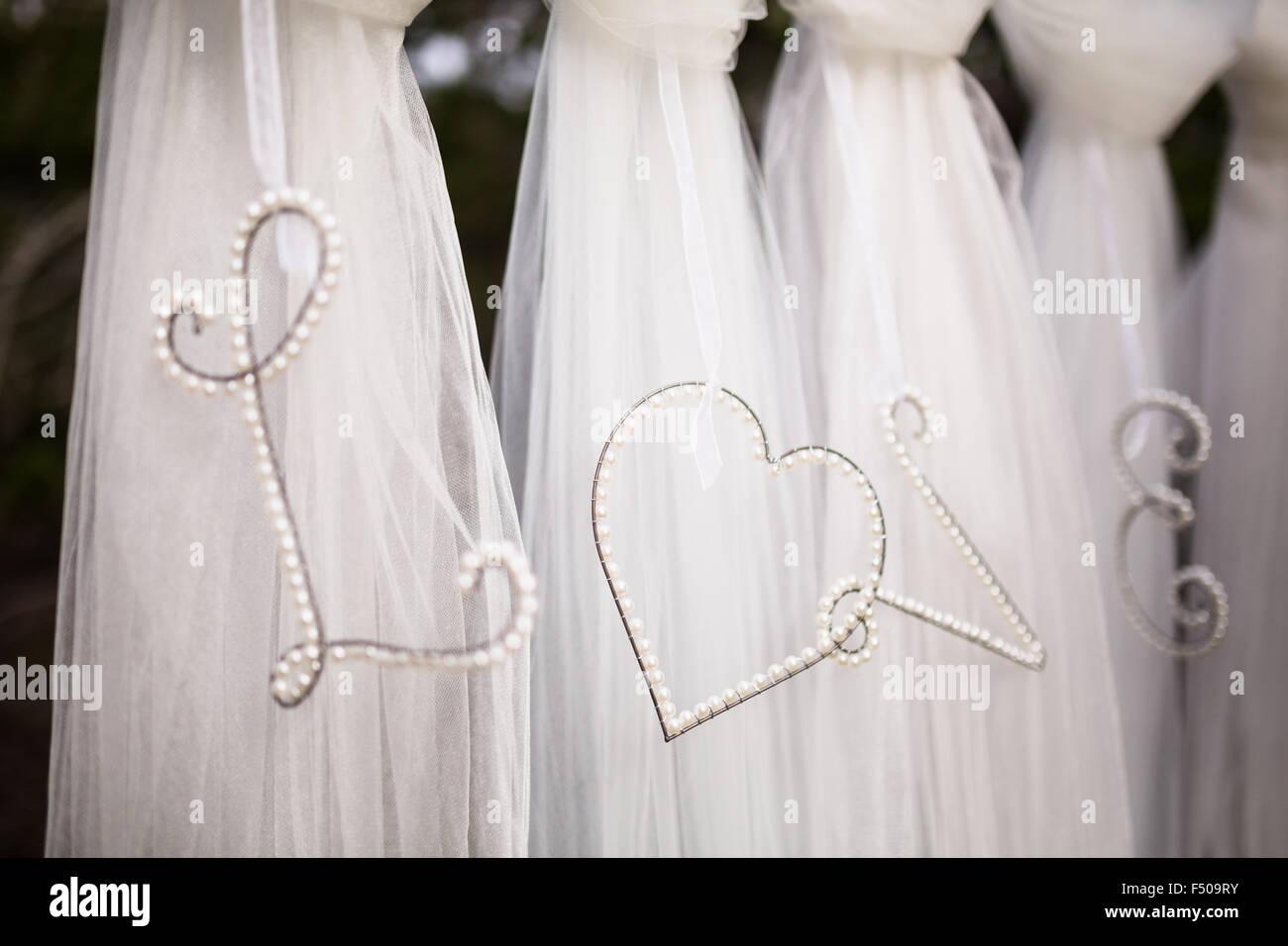 """Das Wort """"Love"""" in eine Hochzeitsdekoration dargelegt Stockbild"""