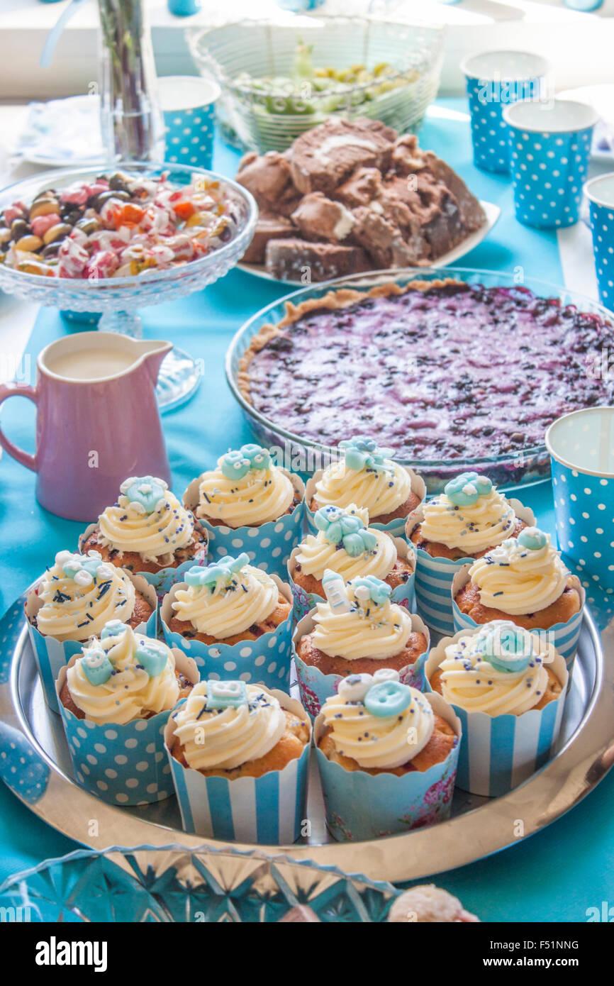 Blue Baby Shower Tasse Kuchen, Heidelbeere Kuchen und andere ...