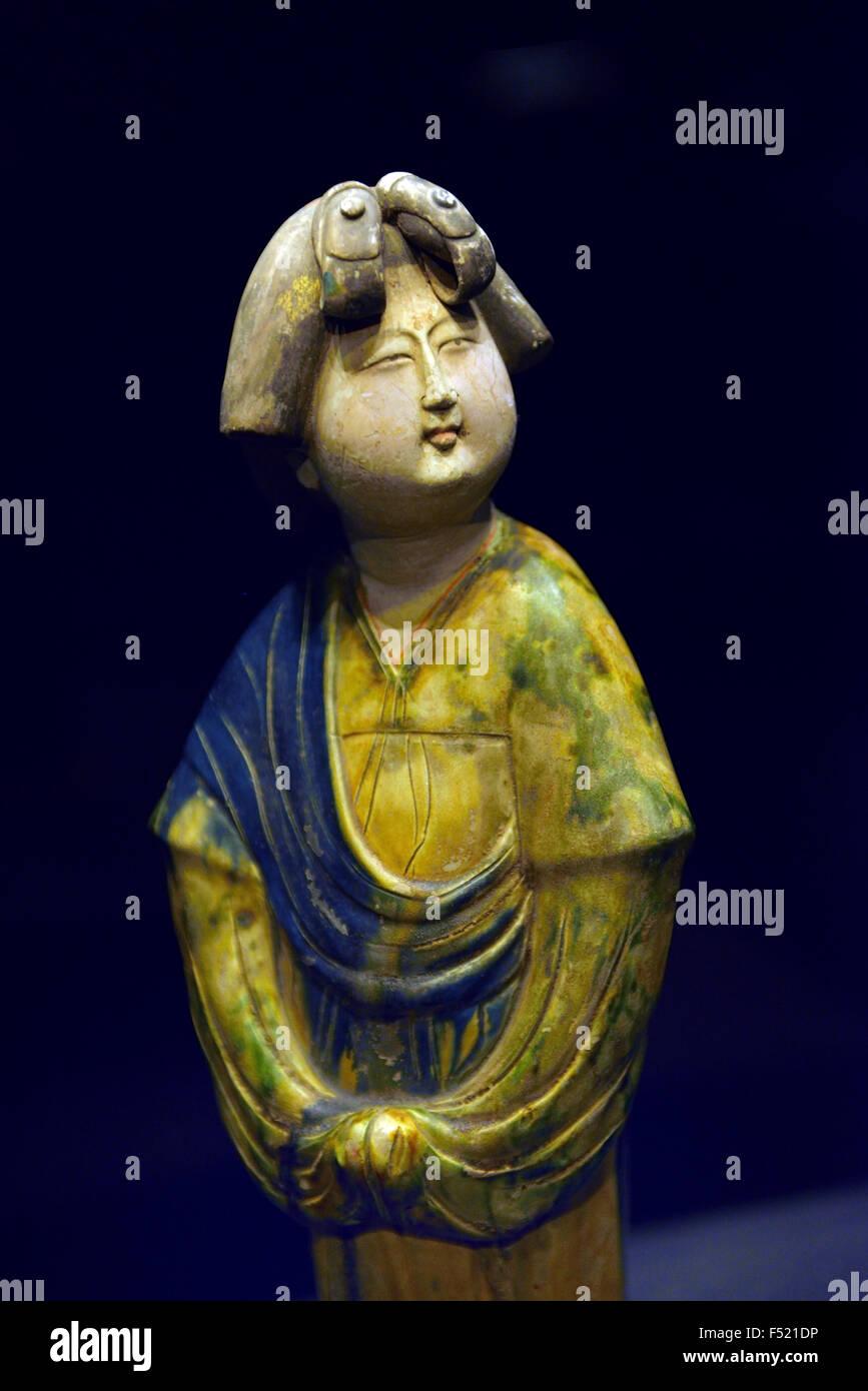 Dreifarbige weibliche Figur. Shanxi-Museum in Xi ' an, China. Stockbild
