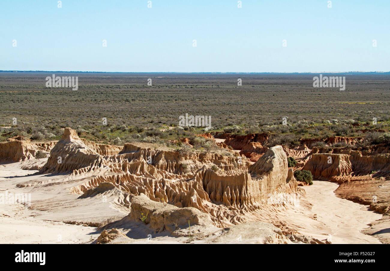Australische Outback Landschaft Mit Erodierten Boden Auf Great Wall