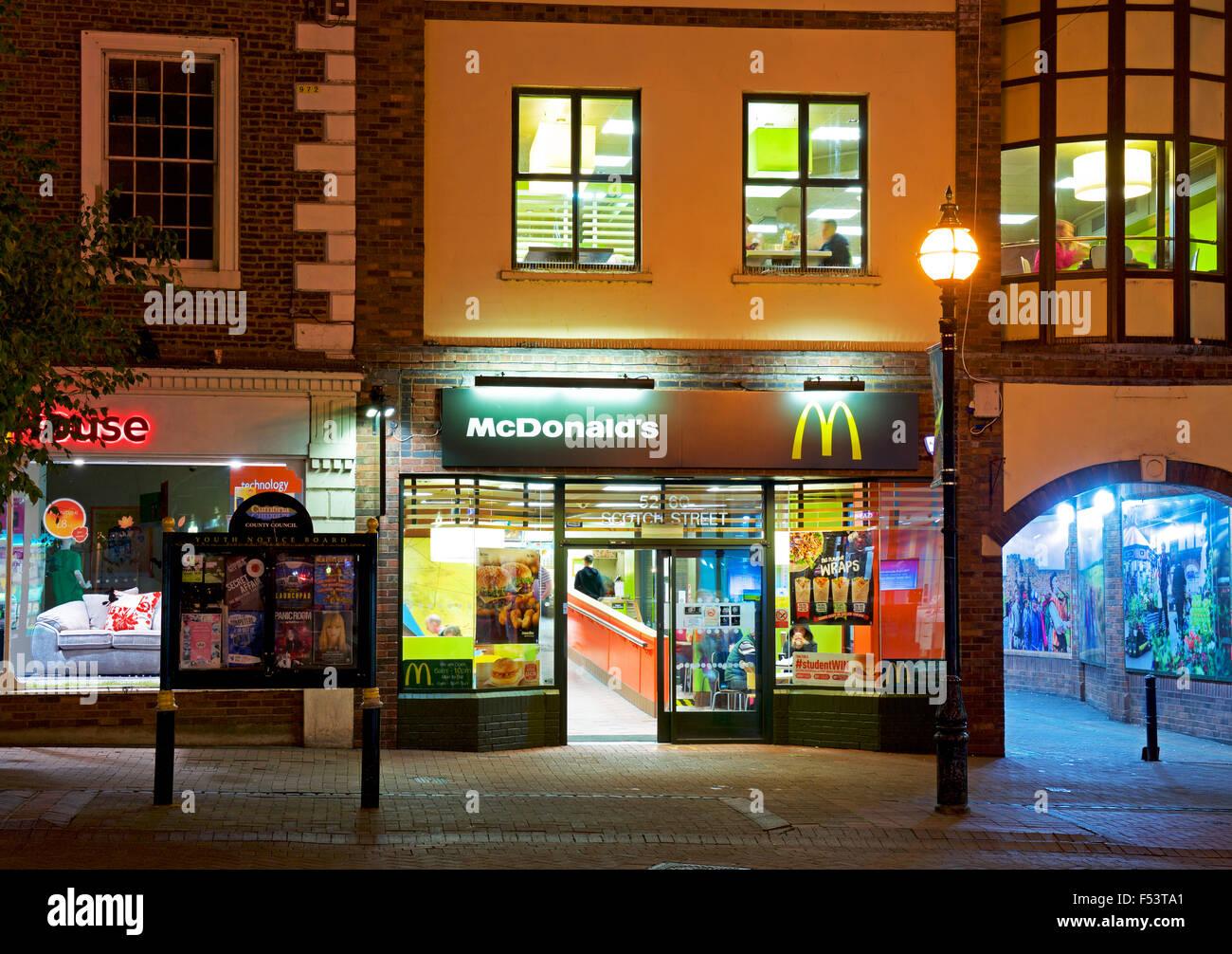 Filiale von McDonald's in Carlisle, Cumbria, England UK Stockbild