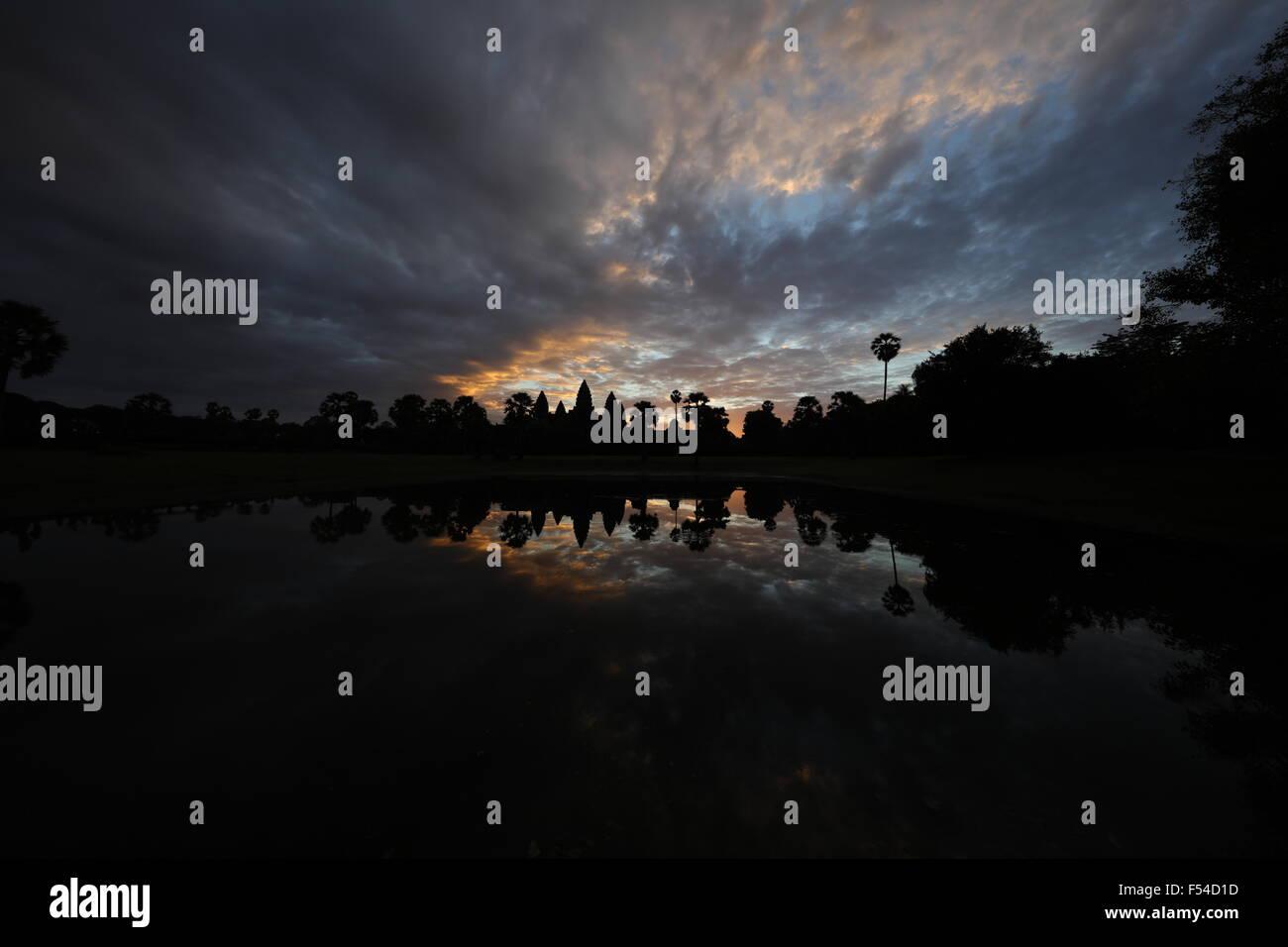 Sonnenaufgang am Angkor wat Stockbild