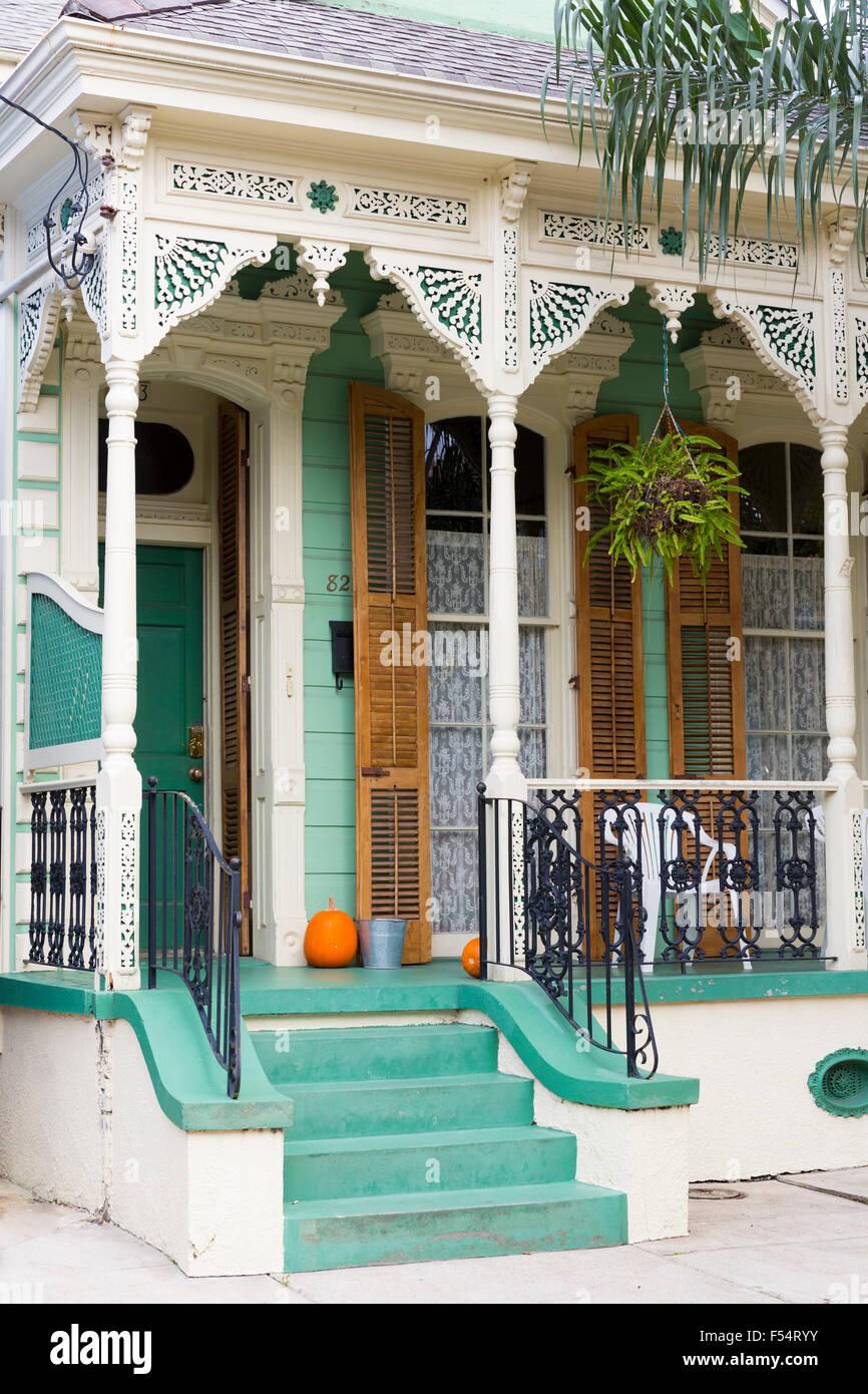 Traditionellen Schindeln kreolischen Cottage home im Faubourg Marigny historisches Viertel von New Orleans, Louisiana, Stockfoto