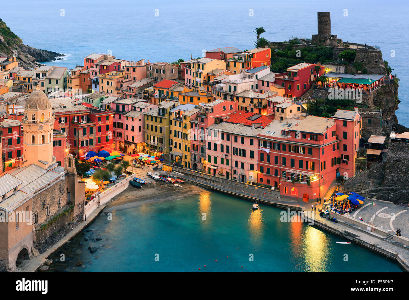 Vernazza (lateinisch: Vulnetia) ist eine Stadt und Gemeinde in der Provinz von La Spezia, Ligurien, nordwestlichen Stockbild