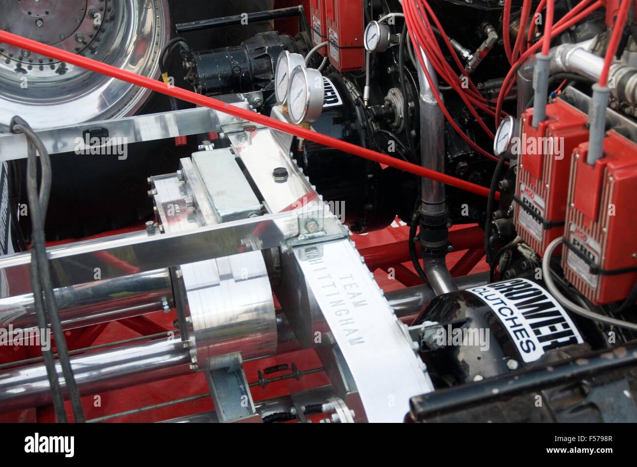 Fantastisch Drahtzaun Bahre Traktor Fotos - Schaltplan Serie Circuit ...