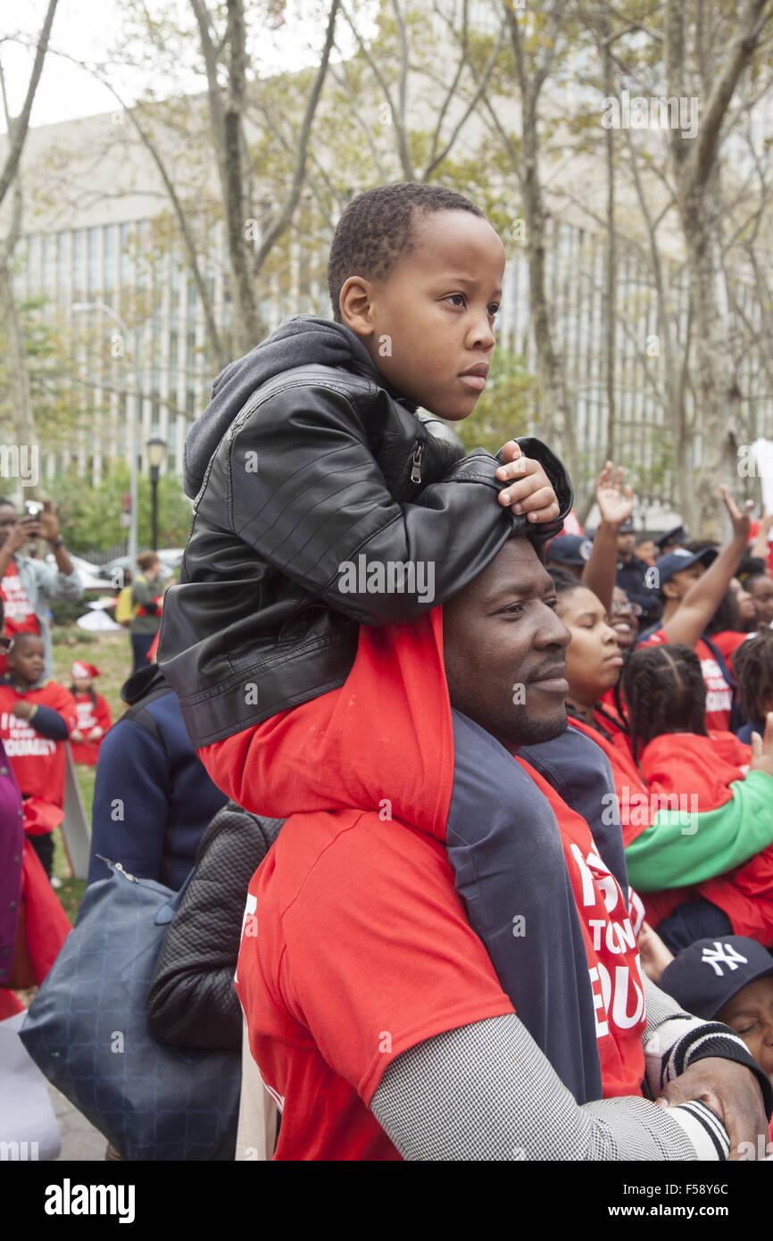 New York City Großdemonstration von Studenten, Lehrern und Eltern für die Bildung der Geschlechter in Stockbild