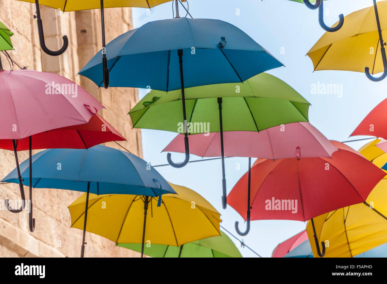 Israel. Schirme für Yoel Moshe Solomon st. in der Innenstadt von ...
