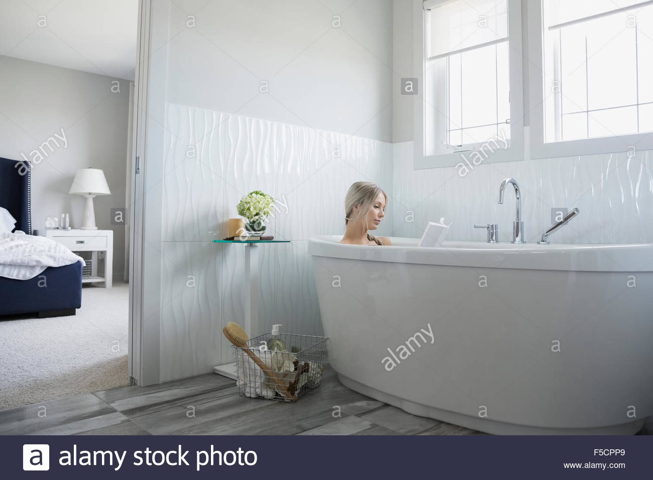 relaxation stockfotos relaxation bilder alamy. Black Bedroom Furniture Sets. Home Design Ideas