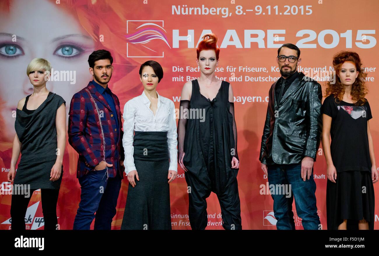Nurnberg Deutschland 2 November 2015 Modelle Lisa L R Enes