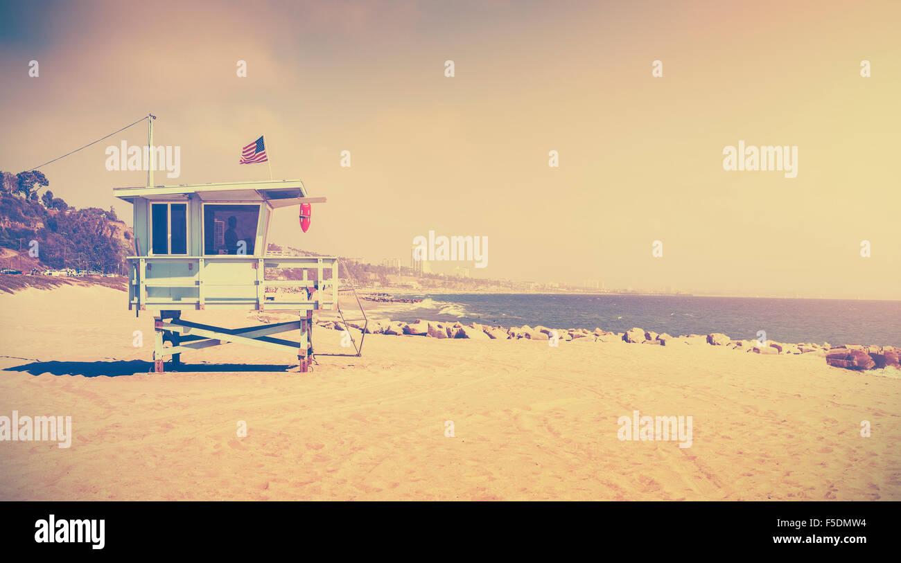 Alte film Retro-stilisierte Rettungsschwimmer-Turm, Santa Monica, USA. Stockbild
