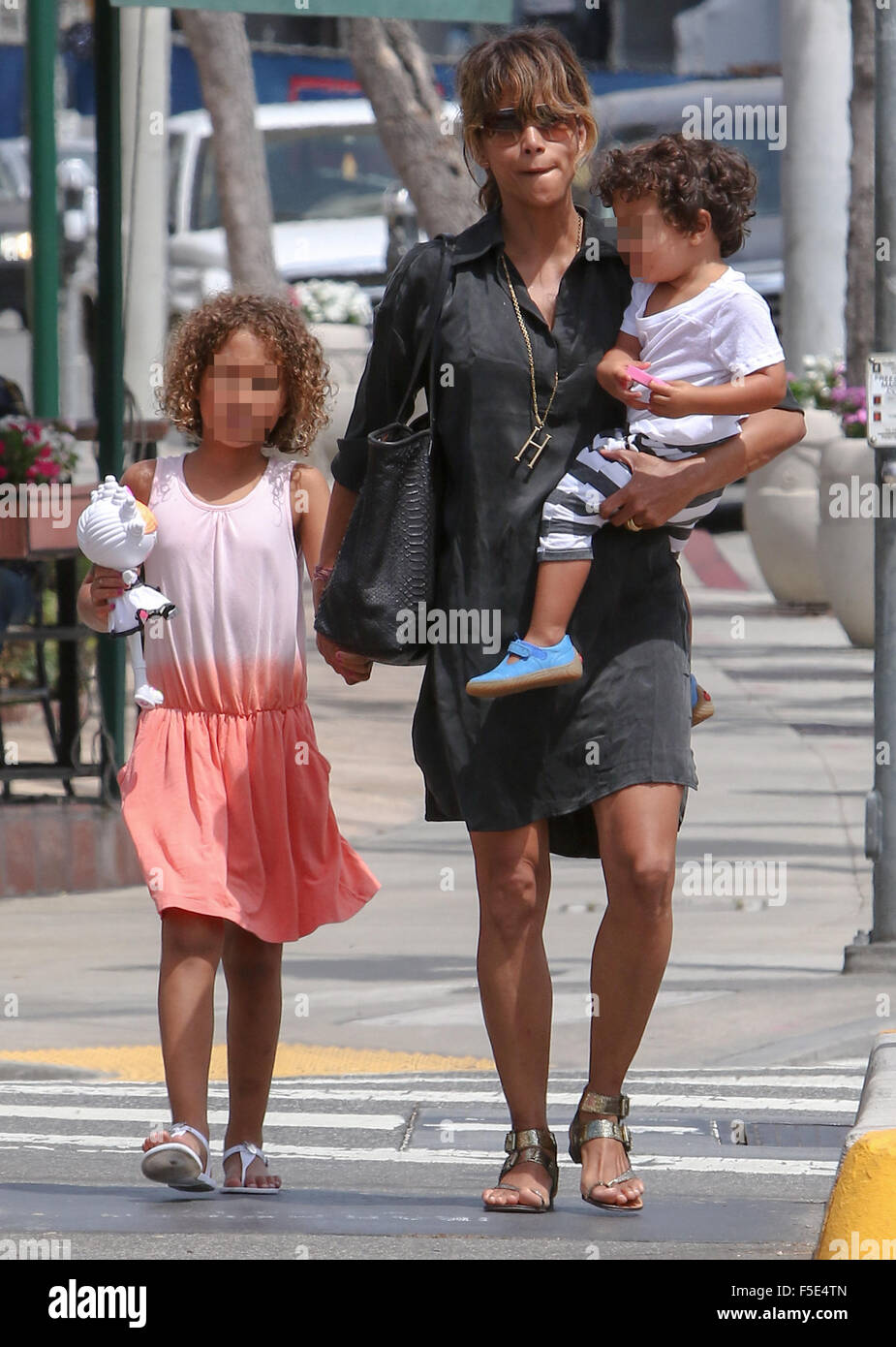 Halle Berry Nimmt Ihre Kinder Zum Mittagessen West Hollywood Mit