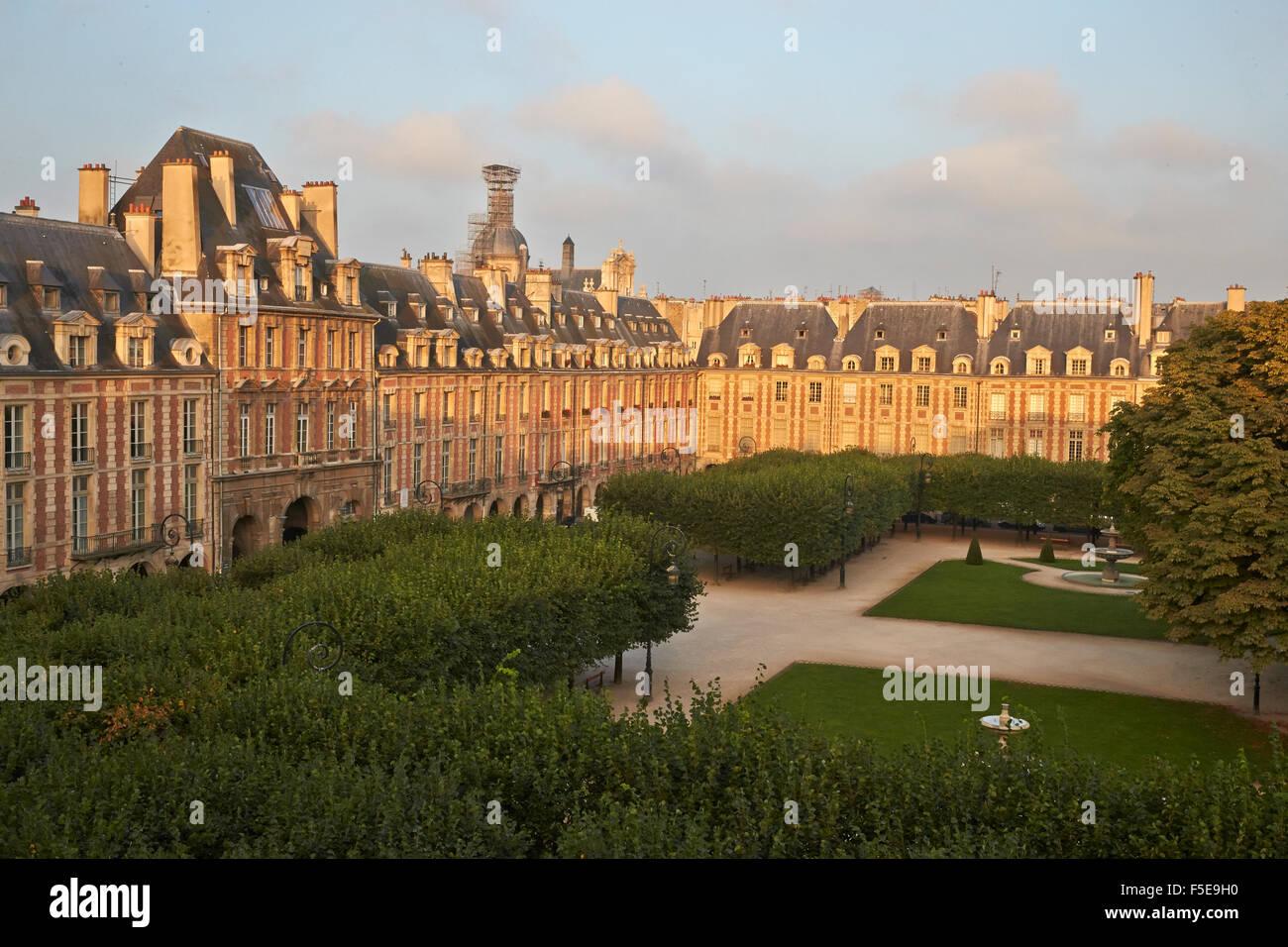 Blick auf den Place des Vosges, Paris, Frankreich, Europa Stockbild