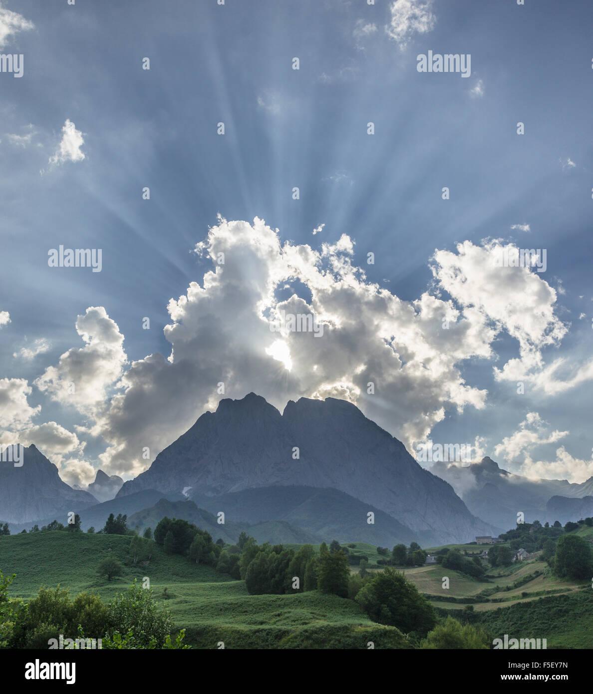 Hohe Pyrenäen, Abendlicht, Lescun, Aquitaine, Frankreich Stockfoto