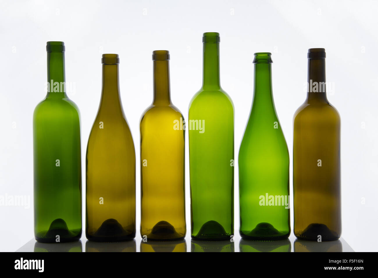 empty alcohol bottles stockfotos empty alcohol bottles. Black Bedroom Furniture Sets. Home Design Ideas