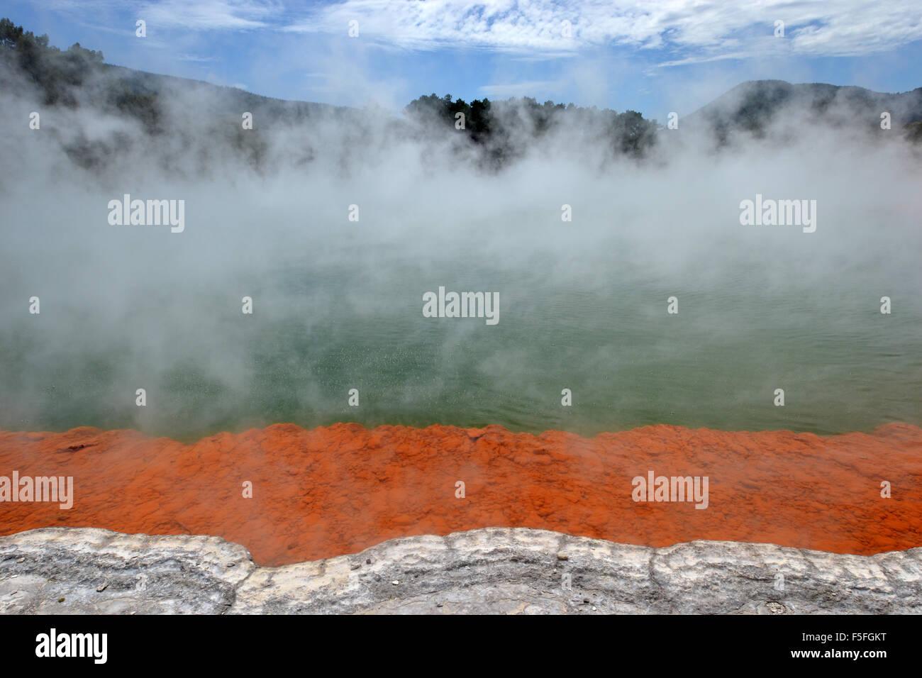 Champagne Pool, Waiotapu Thermal Wonderland, Rotorua, Nordinsel, Neuseeland Stockbild