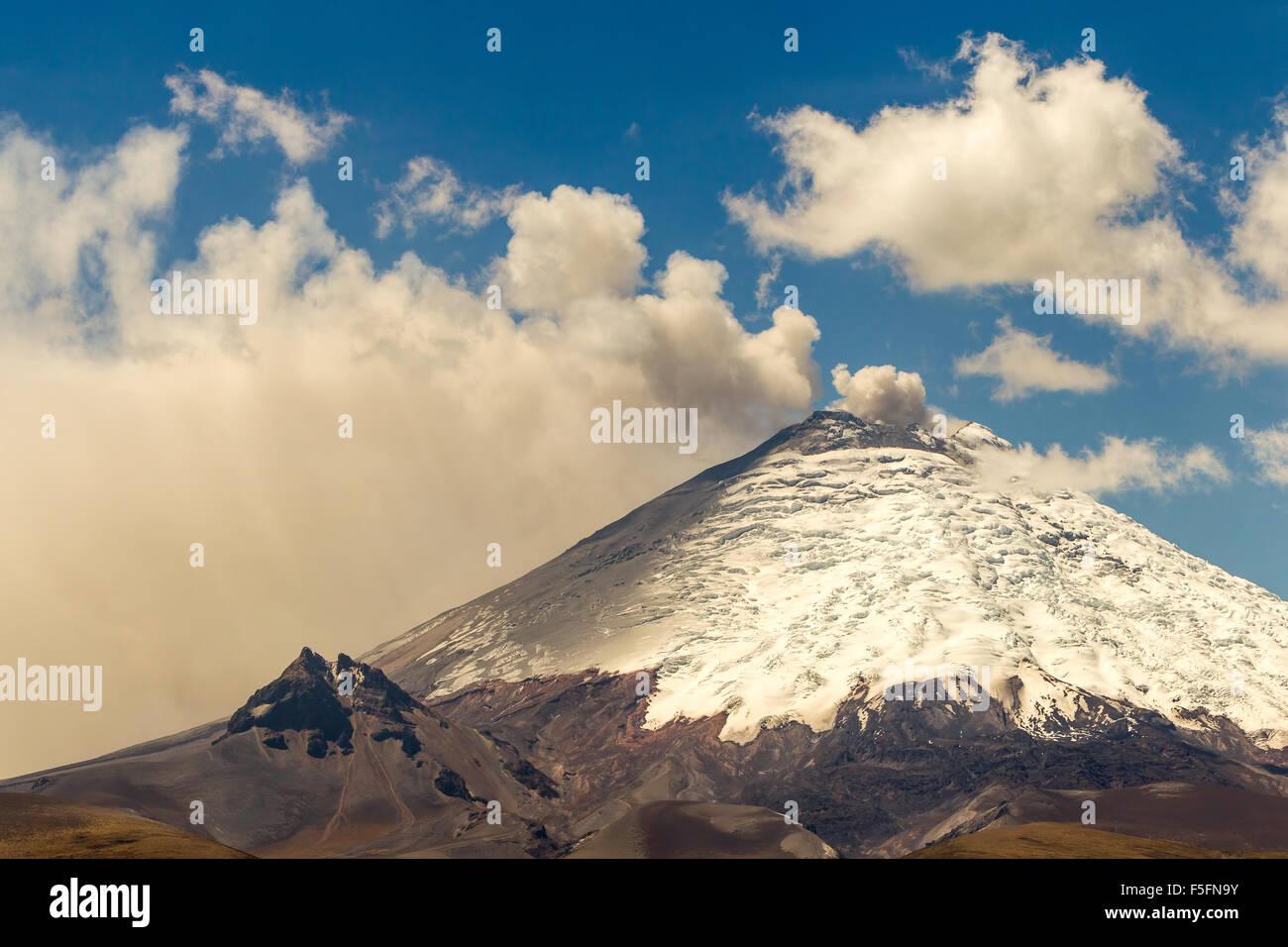 Cotopaxi Vulkan 2015 Eruption Ecuador Stockbild