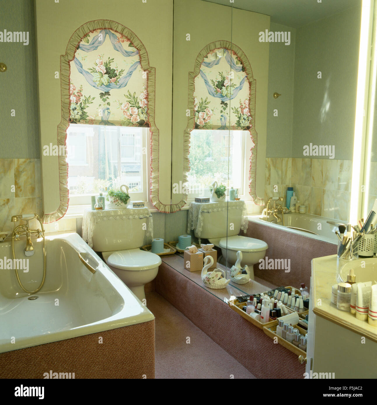 Grünes Badezimmer Stockfotos & Grünes Badezimmer Bilder - Alamy