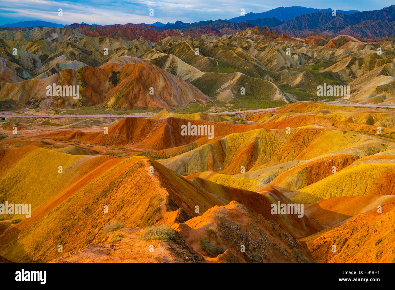 Coloful Formen in der Provinz Gansu Zhanhye Danxie Geo Park, China, erodiert Ballands in Muliple Farben Stockbild