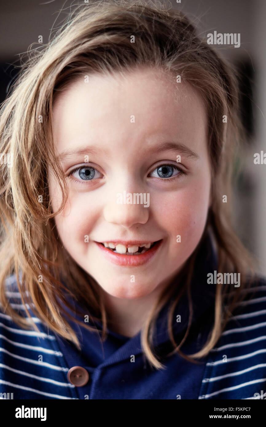 Schweden, Portrait eines Mädchens (8-9) Stockbild