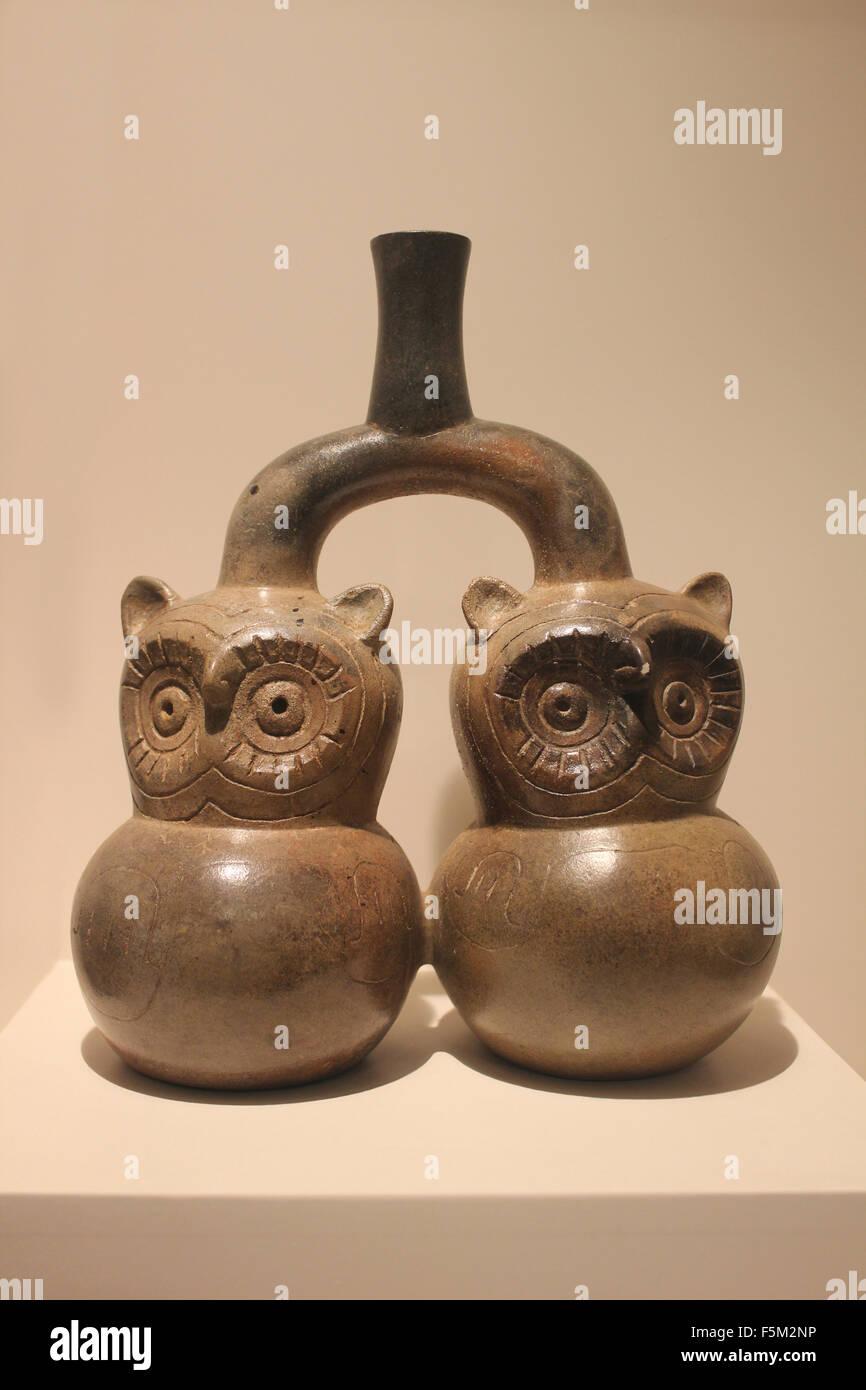 Cupisnique heilige Tiere - Eulen mit nächtlichen Kräften des Himmels Formative Epoche 1250 v. Chr. - 1 Stockbild