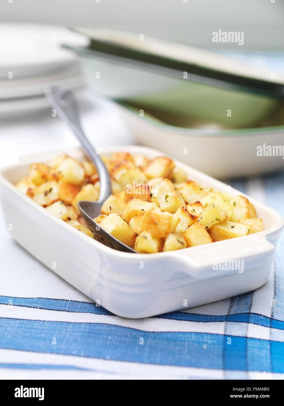 Gericht von Parmentier Kartoffeln auf Vintage Tischdecke Stockbild