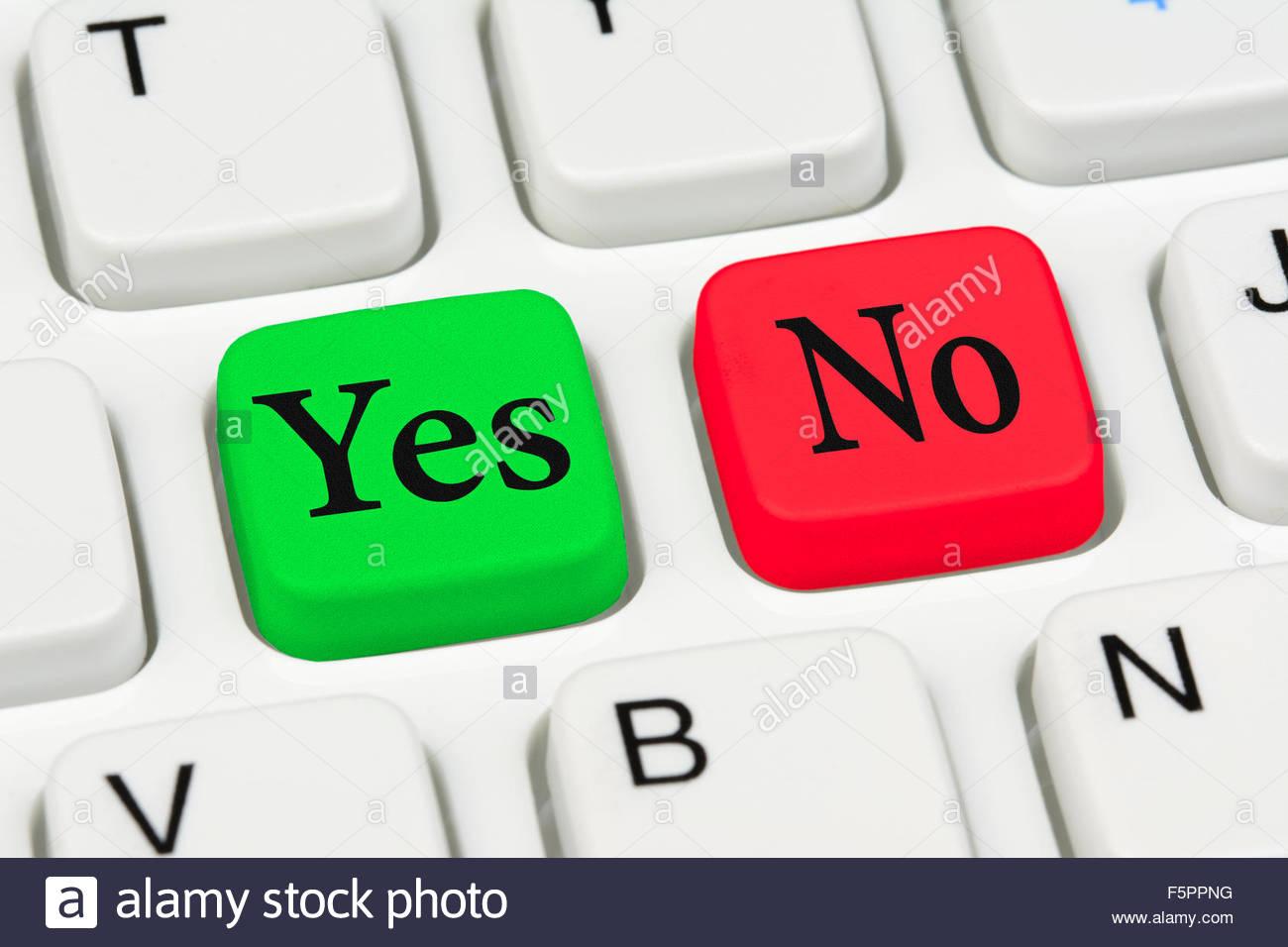 Entscheidungsfindung mit Schaltflächen Ja und Nein auf einer PC-Tastatur. Ja oder Nein Konzept. Stockbild