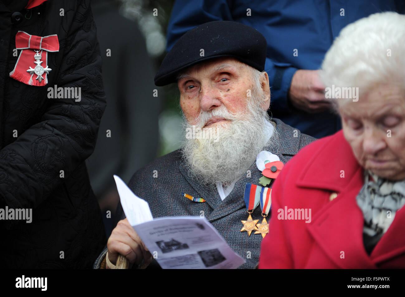 Veteranen des zweiten Weltkriegs 92 Jahre alte George Evans am Gedenkgottesdienst. George, der Pazifist war sacked Stockbild