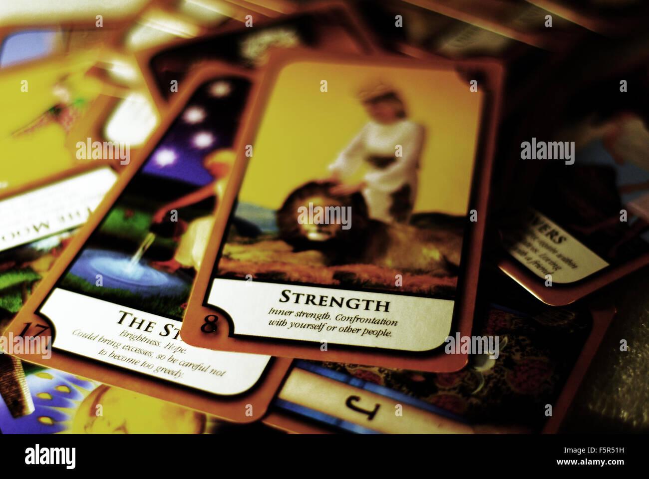 Tarot, Karten, Tod, Wahrsagerin, lesen, psychische Stockbild