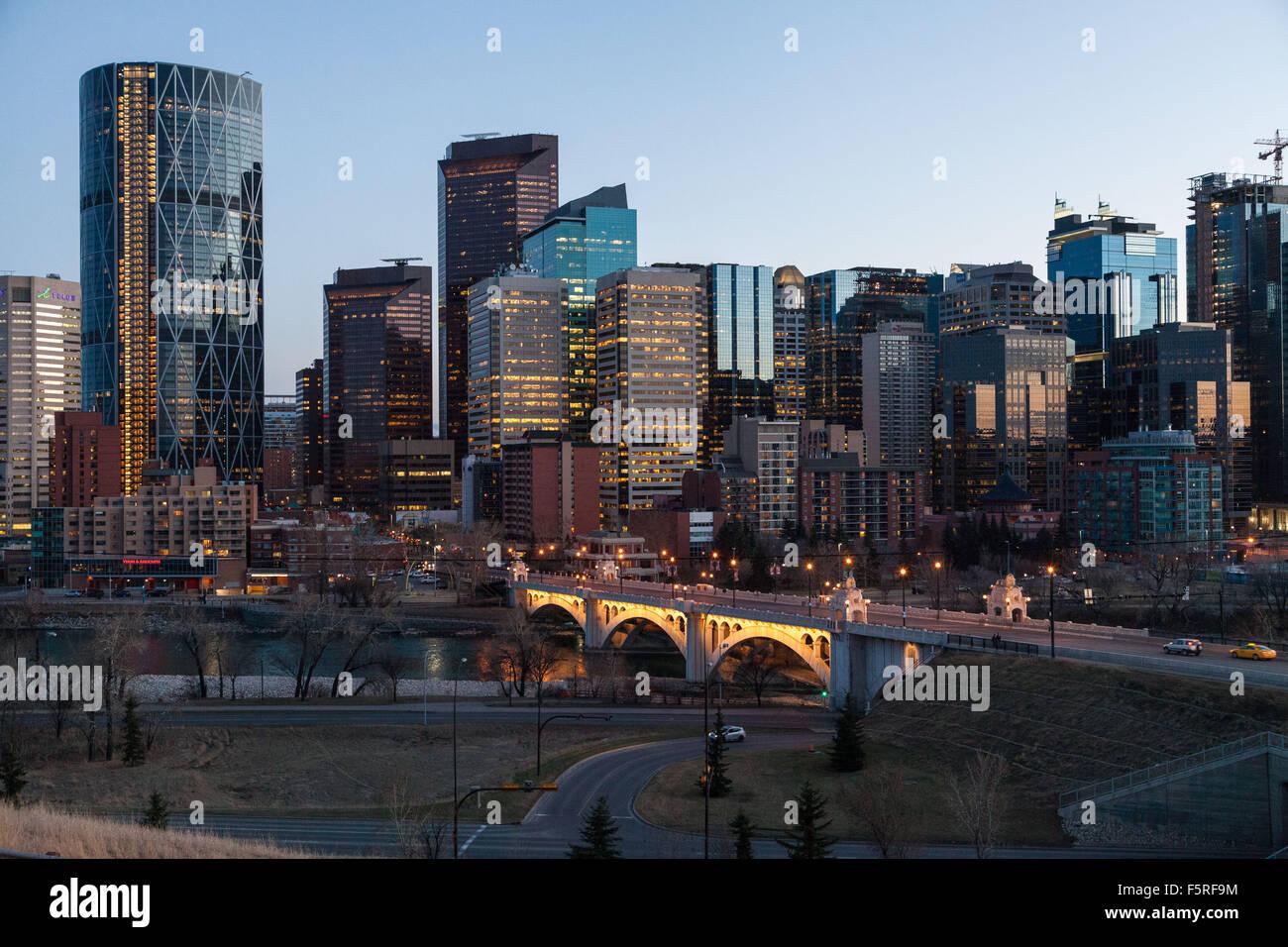 Die Innenstadt von Calgary, Stadtbild, urban Skyline am frühen Morgen. Stockbild