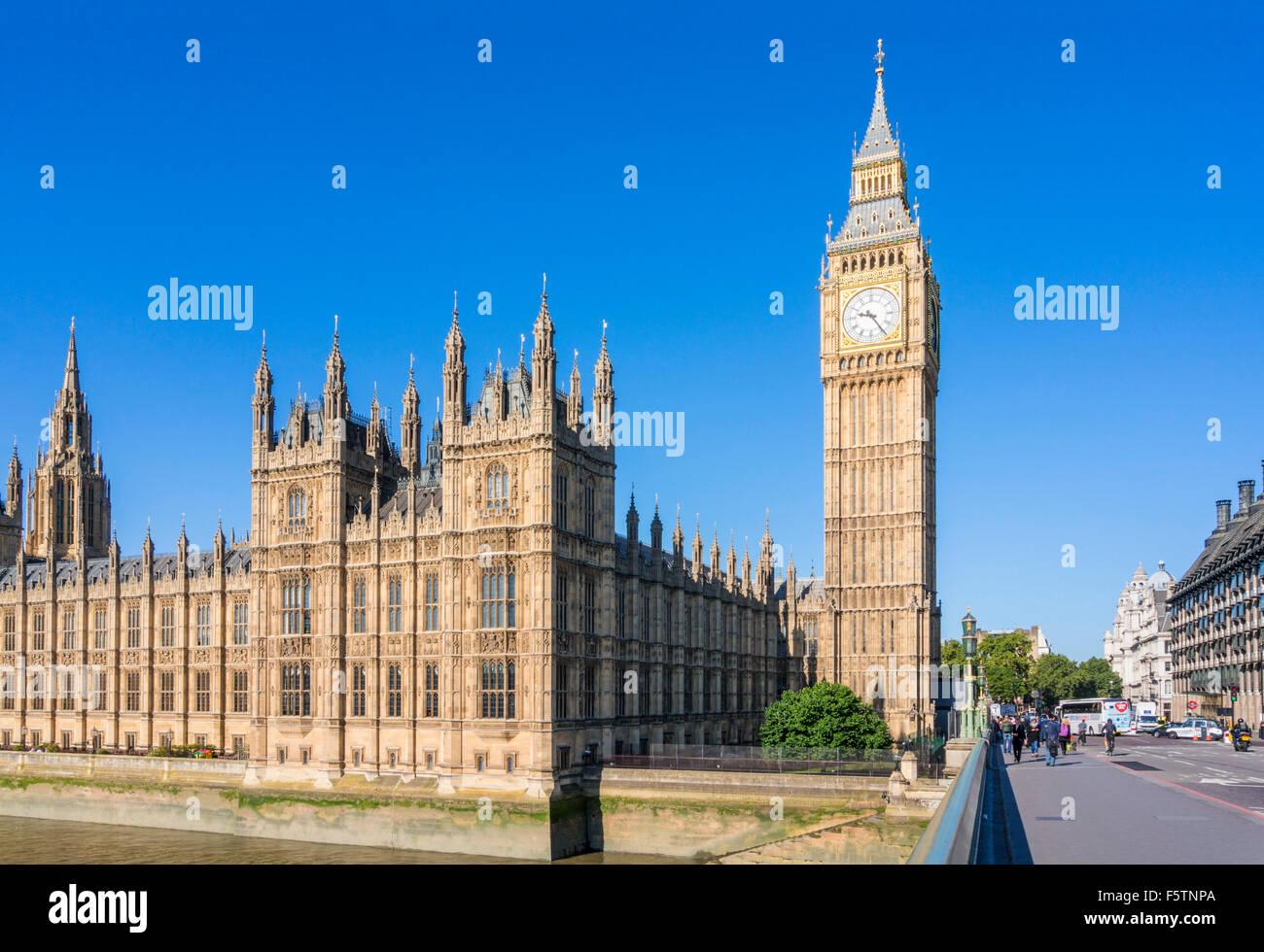 Big Ben, Houses of Parliament und Westminster Brücke über den Fluss Themse Stadt von London England GB Stockbild