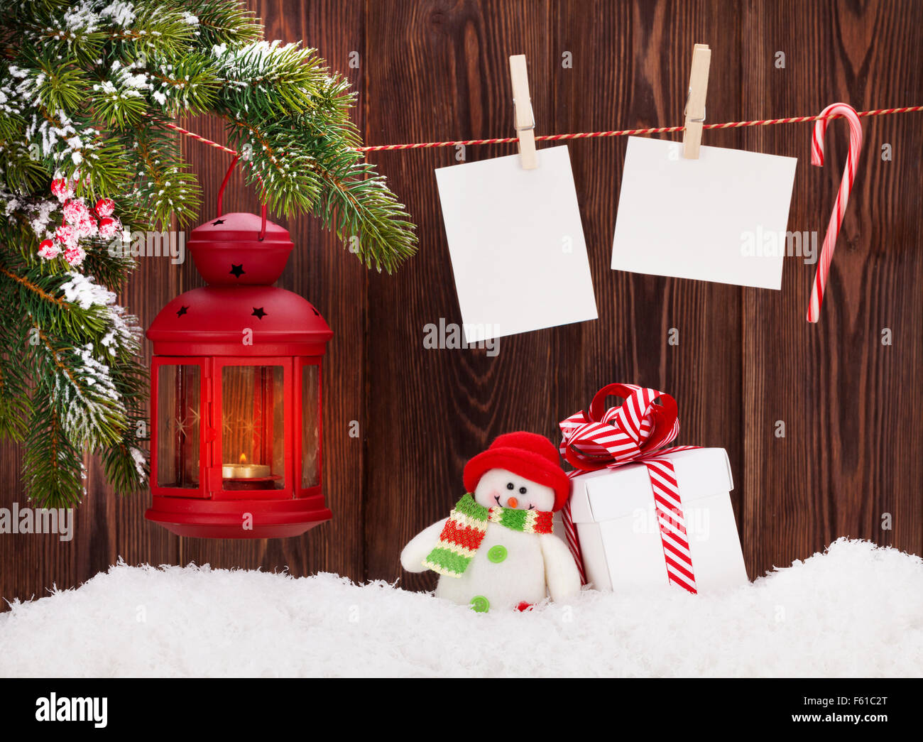 Weihnachten Kerze Laterne, Geschenkbox und leere Bilderrahmen ...