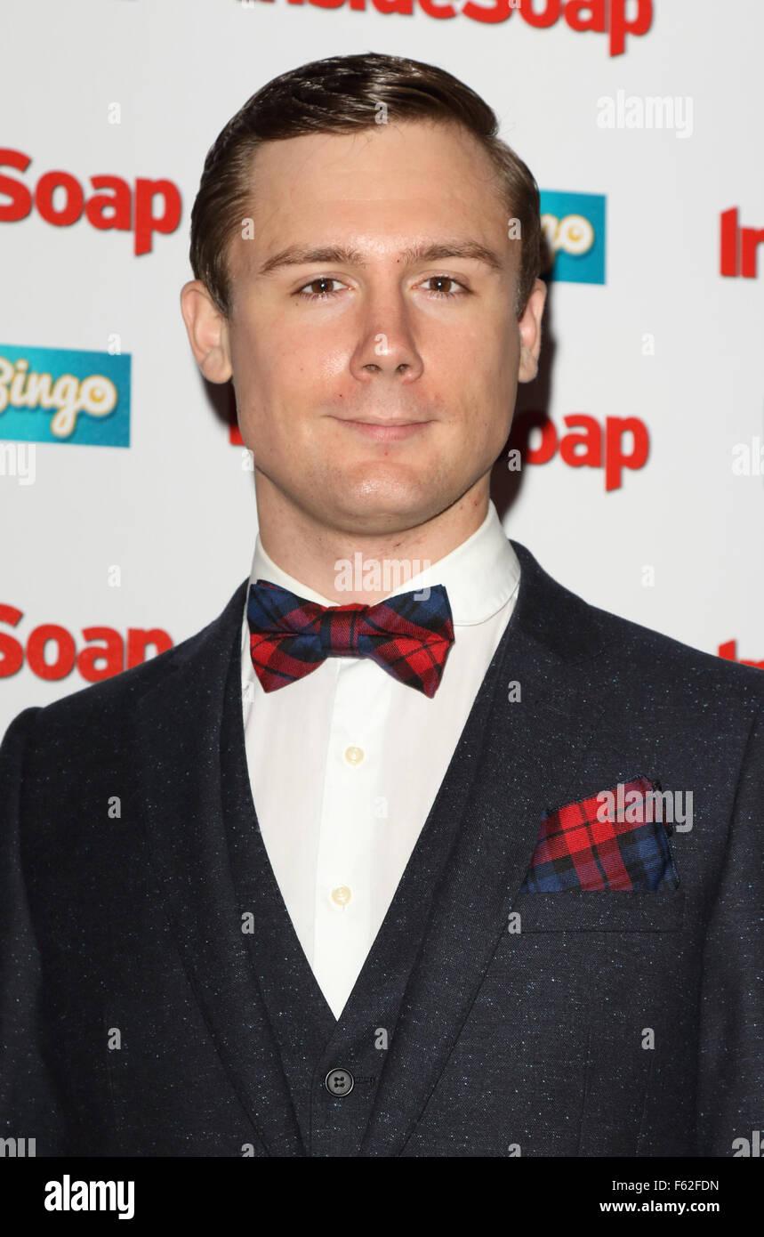 Hollyoaks Schauspieler datieren