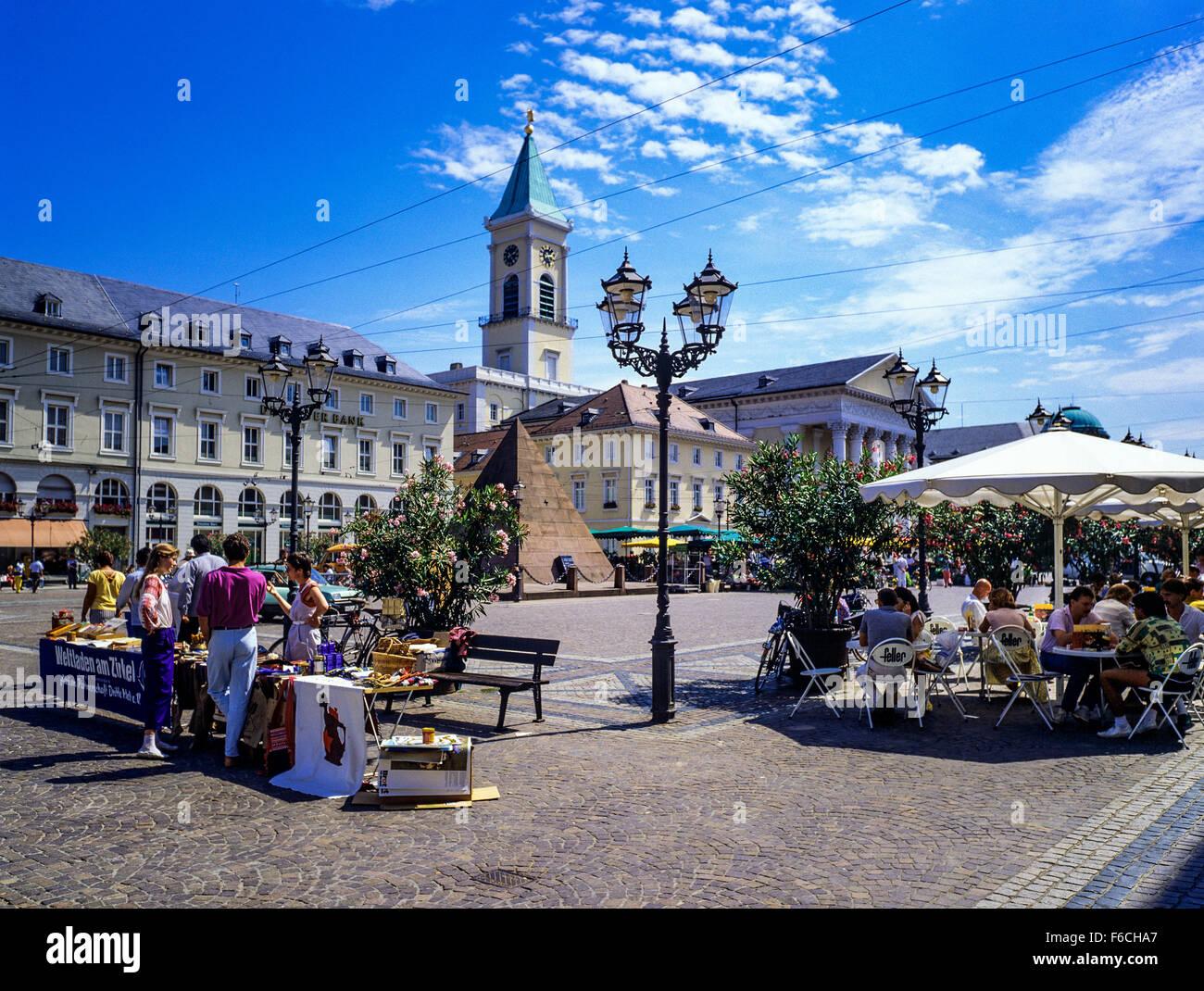 Liebe Verkauf Und Café Terrasse Der Lutherischen Kirche Marktplatz