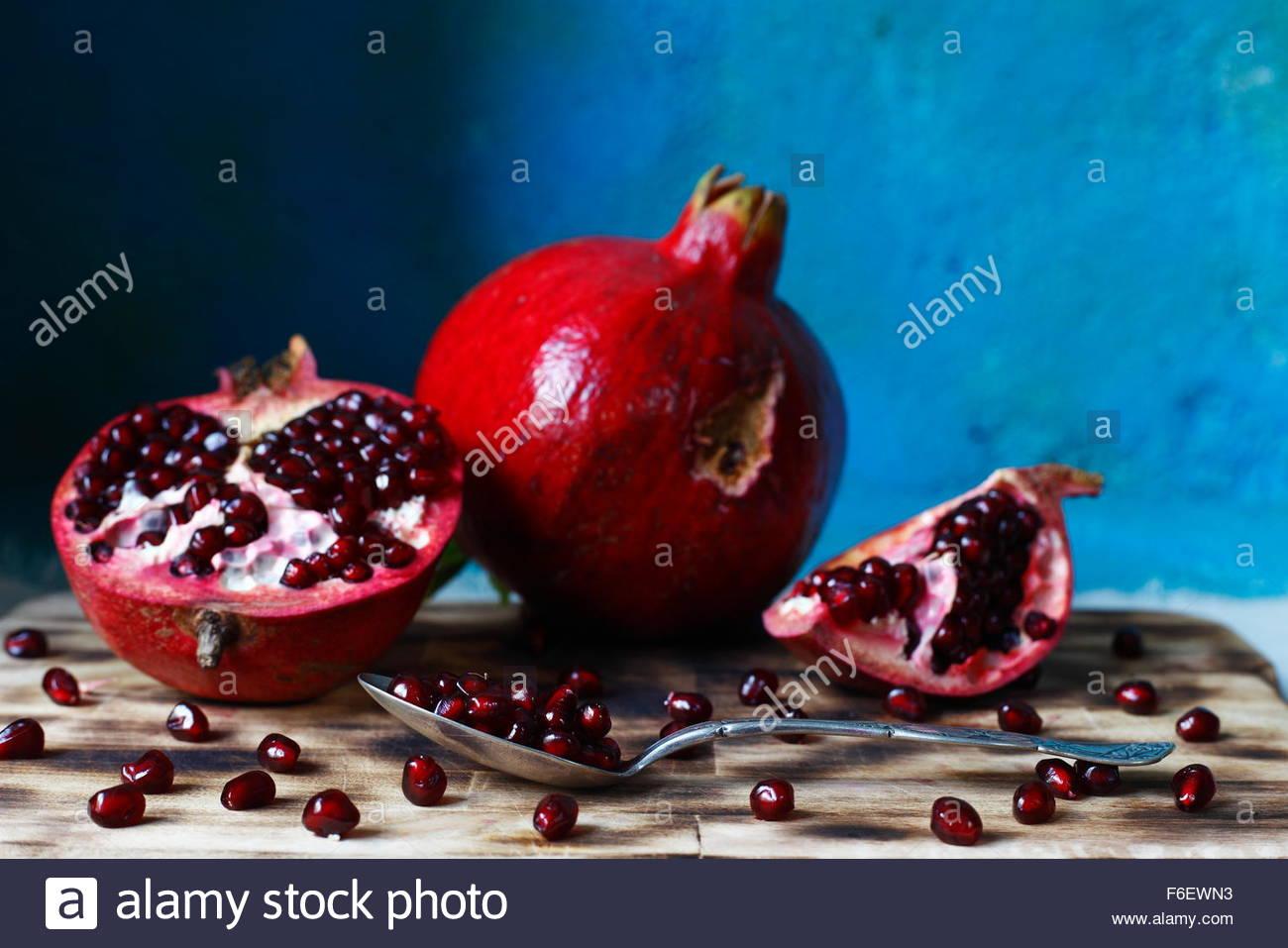 Granatapfel-Makro fotografiert bei Tageslicht, visuelle, Farbbild Stockbild
